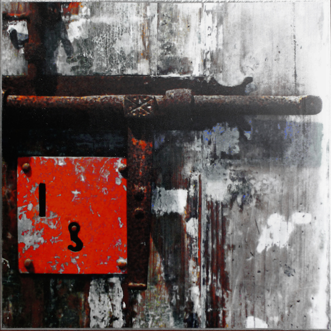 Title:Disappearing Memory Series . Old Wall . NO 8 Medium:	Photography print on steel Size:	20 cm (H) x 20 cm (L) x 2 cm (W)