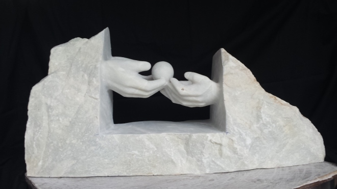 Title:The Gift Medium:	Marble Size:	90 x 60 x 80 cm
