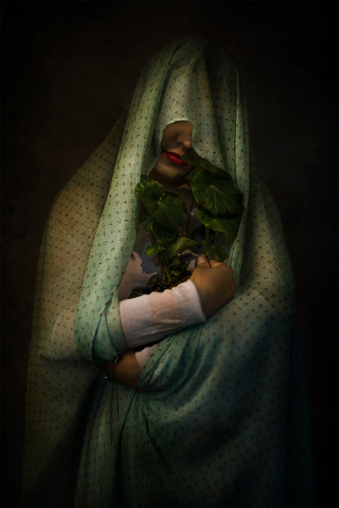 Title: Motherly Medium: Photography Size: 45 x 30 cm